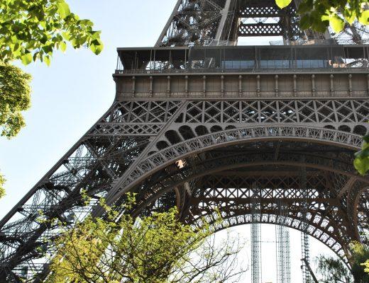 wieza eiffla w paryżu